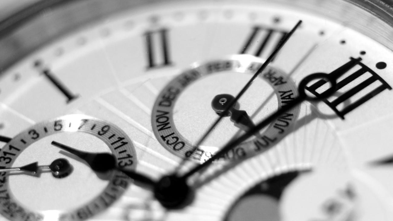 accuracy-alarm-clock-analogue-business-552598
